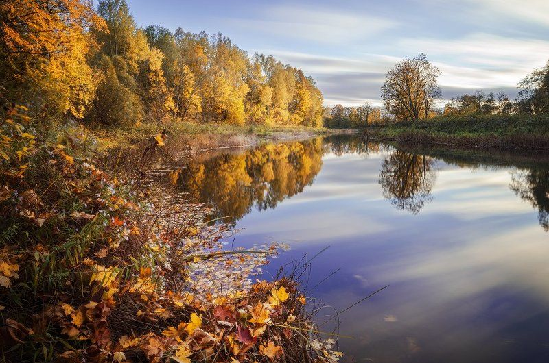 autumn, river, reflections, leaves, colours, long exposure 110 seconds of autumnphoto preview