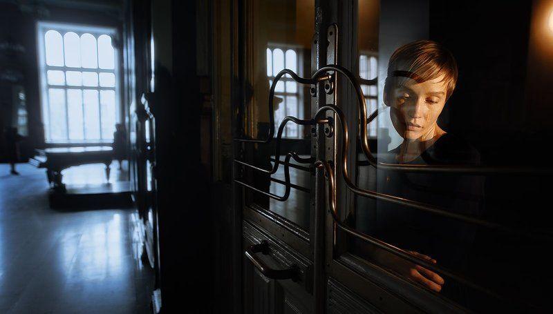 ретро, веснушки, девушка, необычная, интересная, внешность, вокзал, желтый, свет Юлия Лебедеваphoto preview