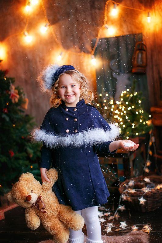 девочка новыйгод сказка елка огни снег Соняphoto preview