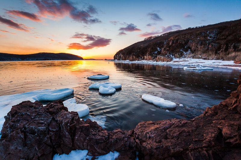 Владивосток, Закат, Лед, Море, Облака, Рассвет, Солнце От рассвета до закатаphoto preview