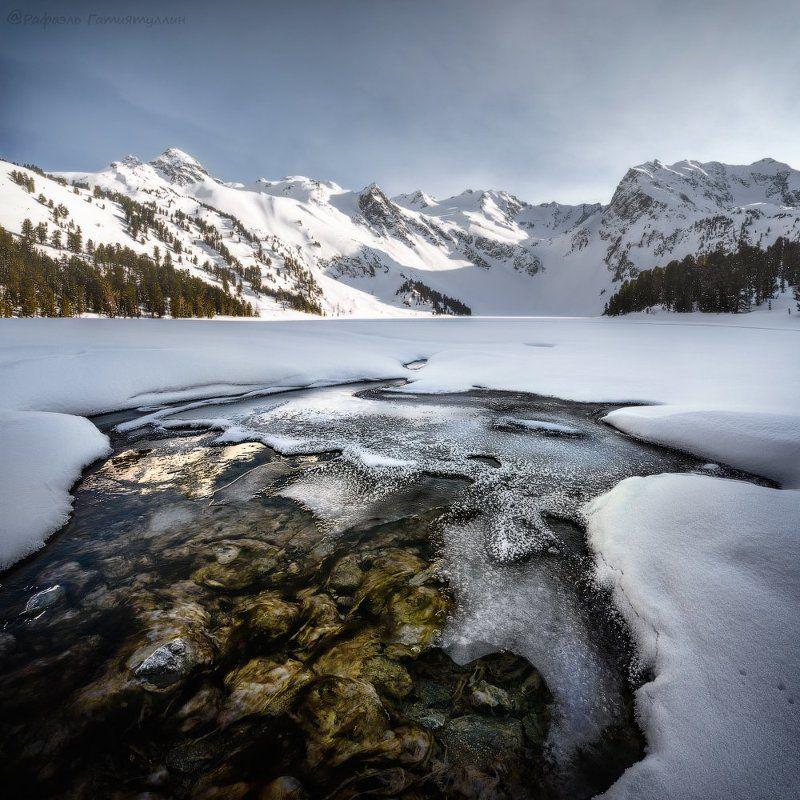 республика алтай, горный алтай, горы, мульта, озеро, зима. Исток реки Мульта.photo preview