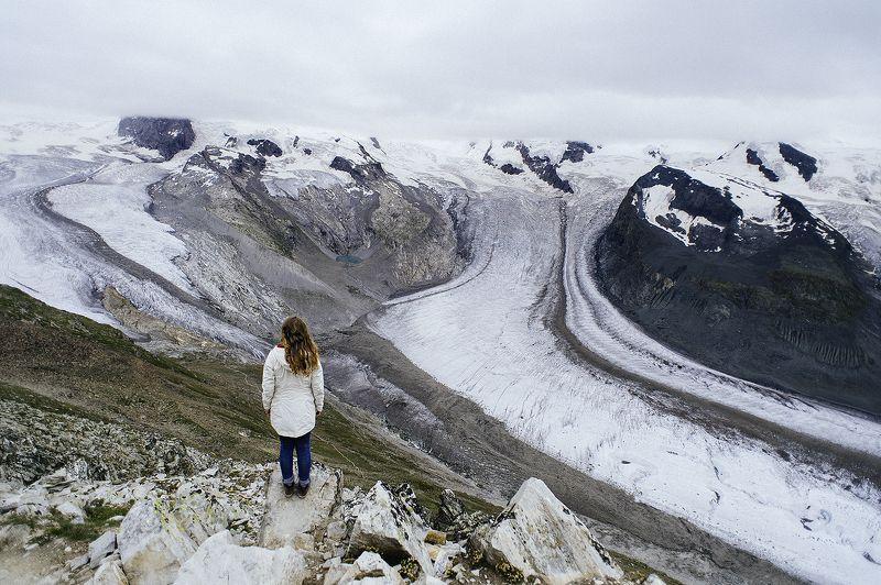 горы, ледник, девушка, пйзаж В горахphoto preview