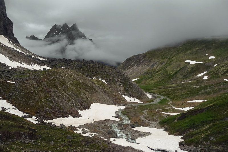 Kodar,mountains,fog,snow,landscape,nature,Кодар,Сибирь,горы,снег,река,долина,пейзаж Началоphoto preview