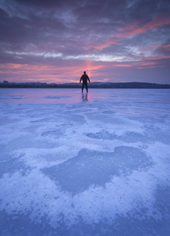 Icy lakephoto preview