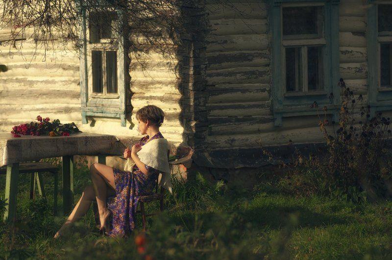 осень,цветы,одиночество,девушка,деревня,грусть,надежда,autumn,flowers,lonely,girl,village,sadness,hope *-*-*photo preview