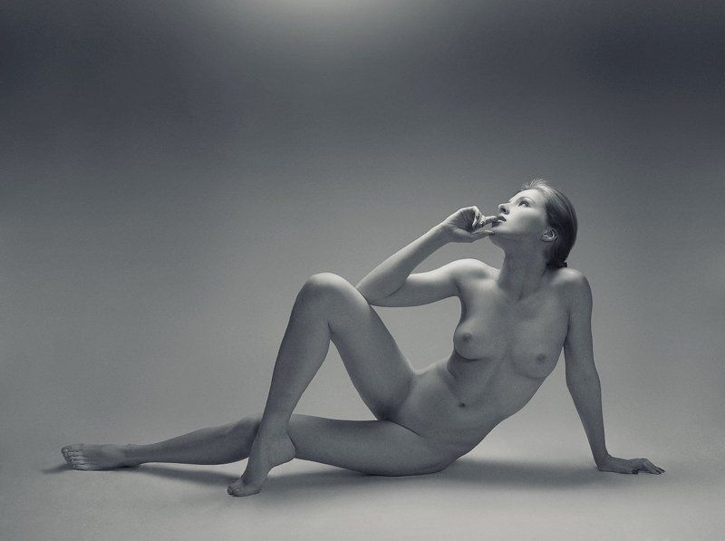 b&w. beauty. girl. glamour. nu. nude ZzLlIIphoto preview