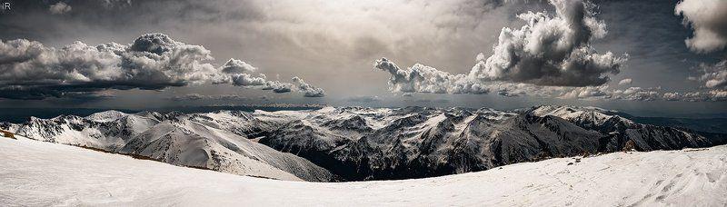 Панорама 8 кадров в полдень на южном склоне горы Мусала.photo preview
