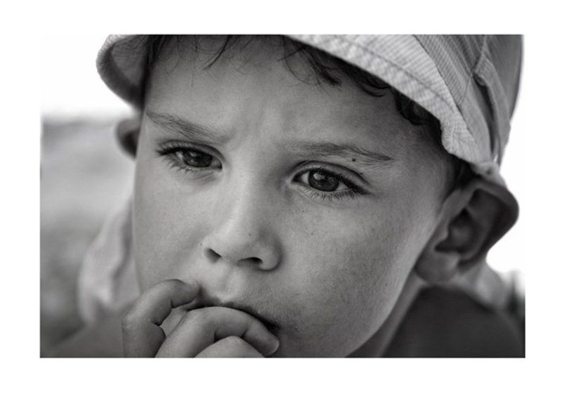 мальчик, чб, портрет, взгляд, мысли, лето Нахлынули воспоминания....photo preview
