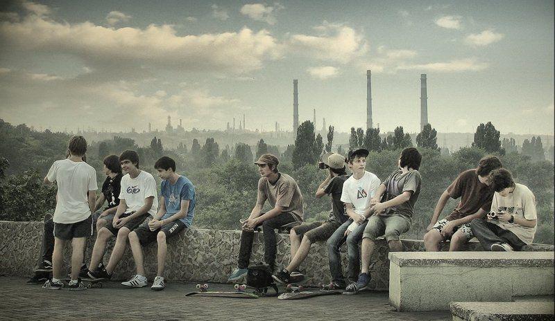 молодость, город, одесса Толя пел, Борис молчал, Николай ногой качал...photo preview