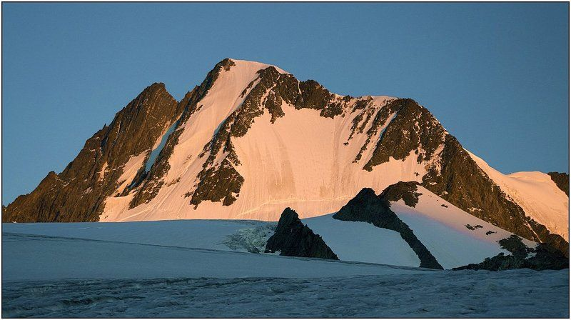 алтай, талдуринский ледник, иикту. Красавица Иикту на рассвете.photo preview