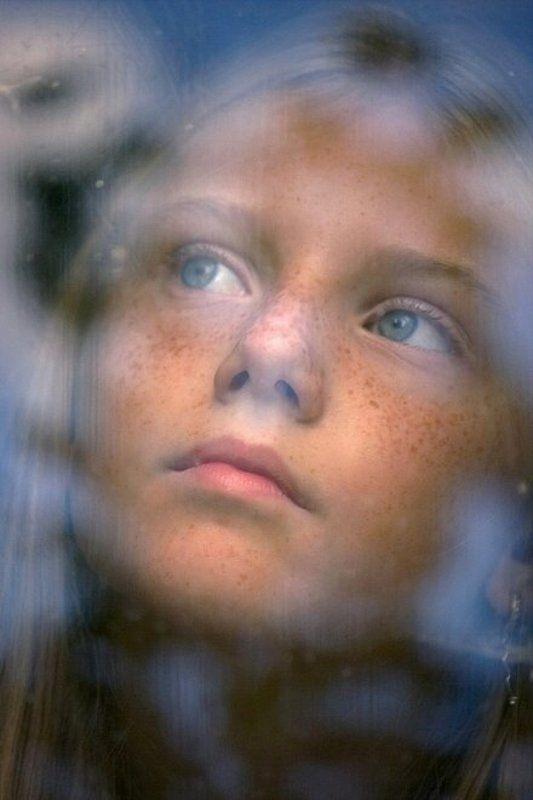 лицо, портрет, девушка В ее глазах тает небоphoto preview