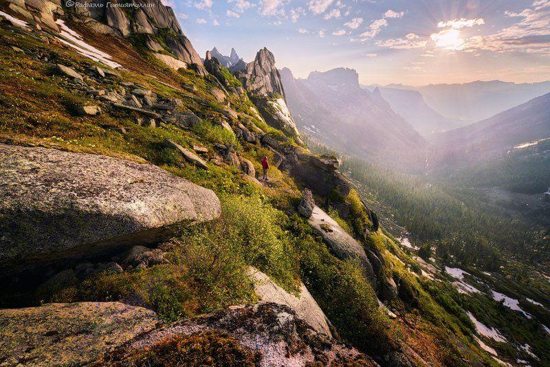 западные саяны, красноярский край, национальный парк ергаки, тайгиш, перевал, горы. \