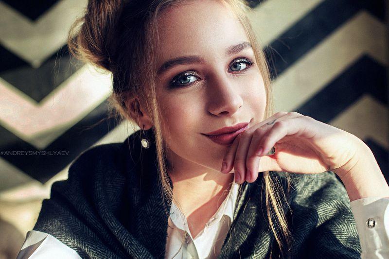 девушка, портрет, смышляев, дневной свет, girl, dayligh, smyshlyaev, зима, россия,челябинск Polinaphoto preview