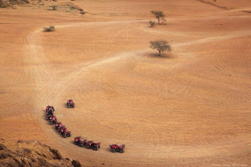 Шарм-эш-Шейх, тепло, пустыня, квадроциклы,  Квадропоровозphoto preview