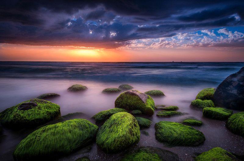 sky, sea, water, beach ,travel, sun, light ,clouds, beautiful ,stone, sundown green stonephoto preview