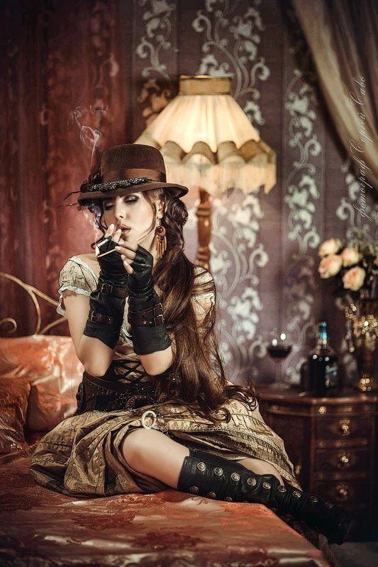 Девушка бандитка, Девушка курит, Девушка с оружием, Исторический проект, Ретро Бандитка+photo preview