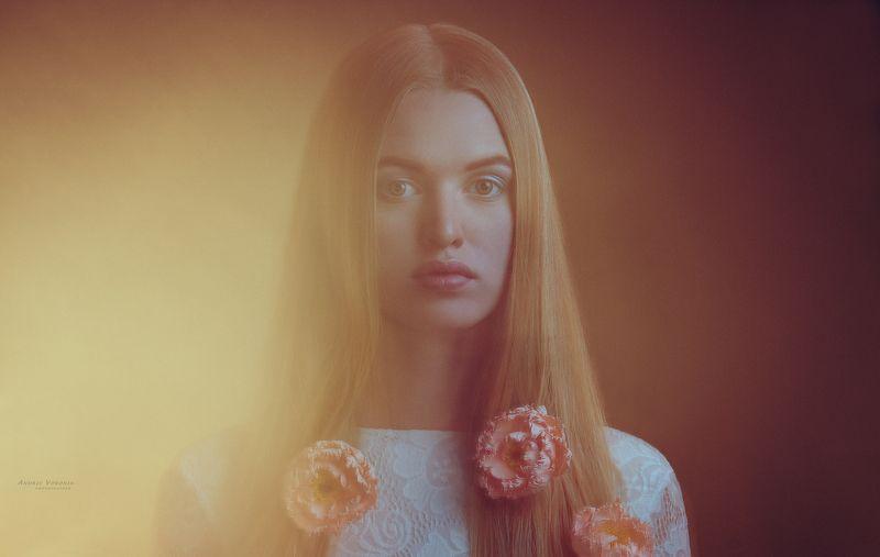 портрет,глаза,девушка,взгляд,смешанный свет,красота, Аринаphoto preview