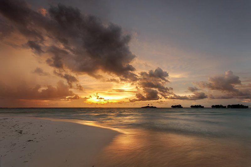 мальдивы, остров, закат Остров Ланканфинолуphoto preview