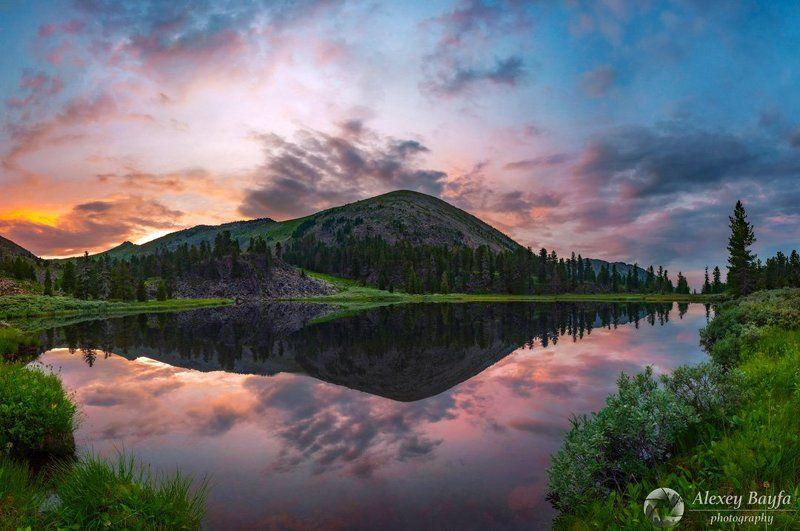 озеро, закат, горы, вода, отражение, панорама, hdr, вечер, лето, лес, природа Тихий вечер у горного озераphoto preview