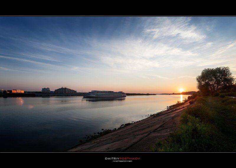 пейзаж,природа,рассвет,утро,река,волга,город,набережная,дубна,корабль, Издалека долго...photo preview