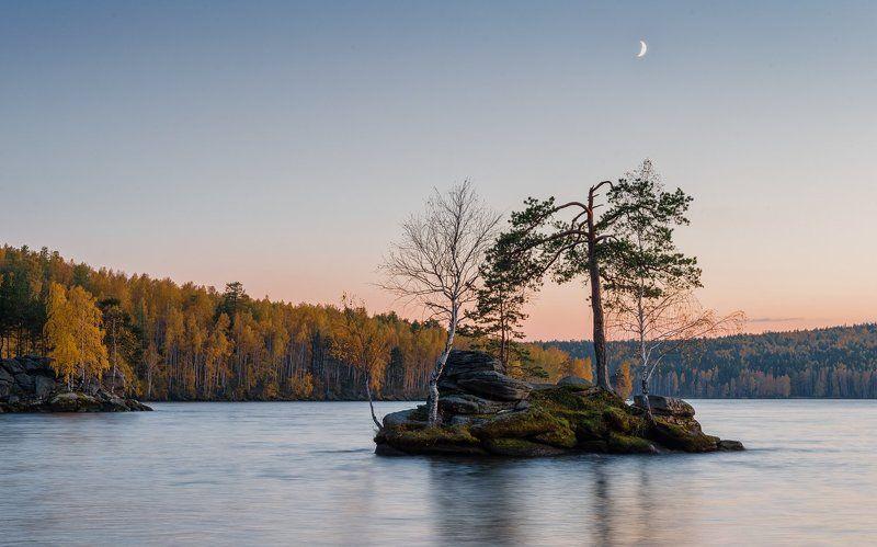 таватуй, средний урал, озеро, осень Островокphoto preview