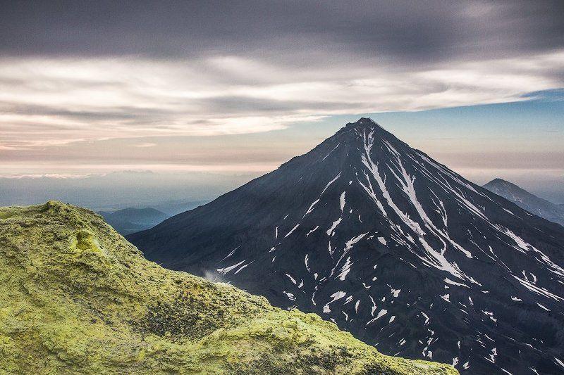 вулкан, камчатка, корякский, авачинский, сера, вечер. Вечерело, пора было спускаться...photo preview