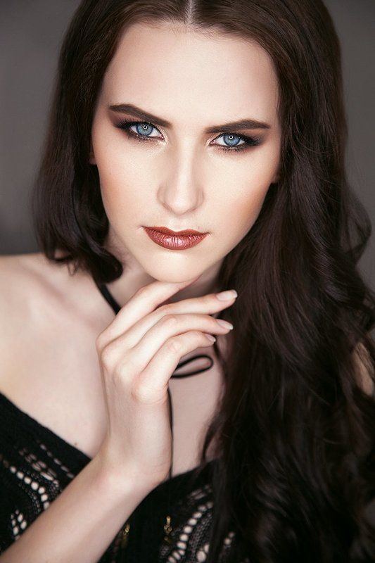девушка портрет симферополь студия артбанда фотограф макияж крым красиво портретphoto preview