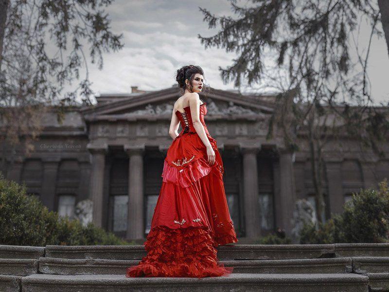 архитектиктура, модель, платье, коллоны, мода *photo preview