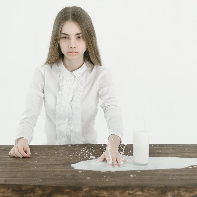 milk, white,russia, молоко, белый, сюрреализм, россия white stripephoto preview