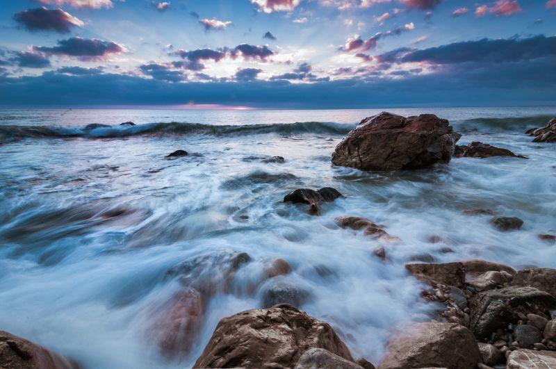 пляж, камни, закат, вечер У мыса Пассекаphoto preview