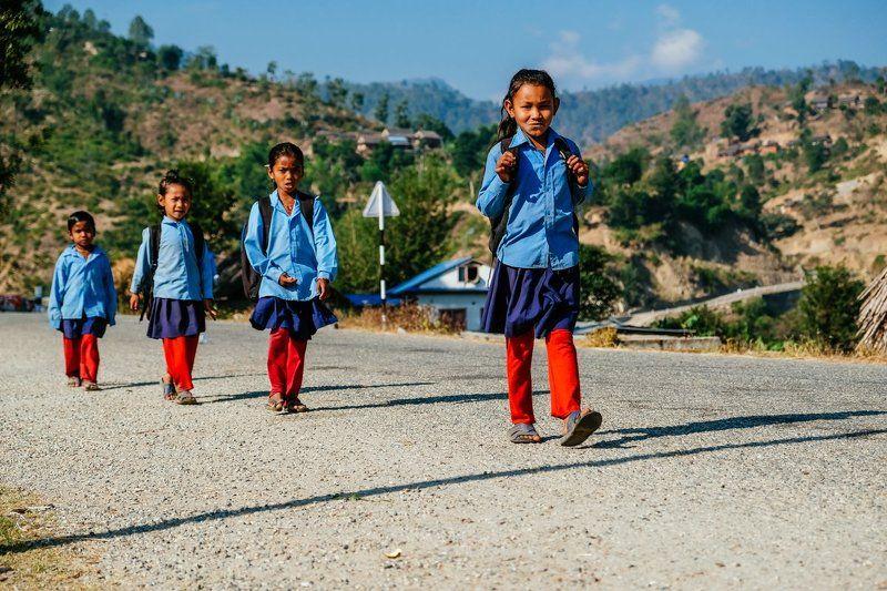 школьники, непал, лето Вместе в школу!photo preview