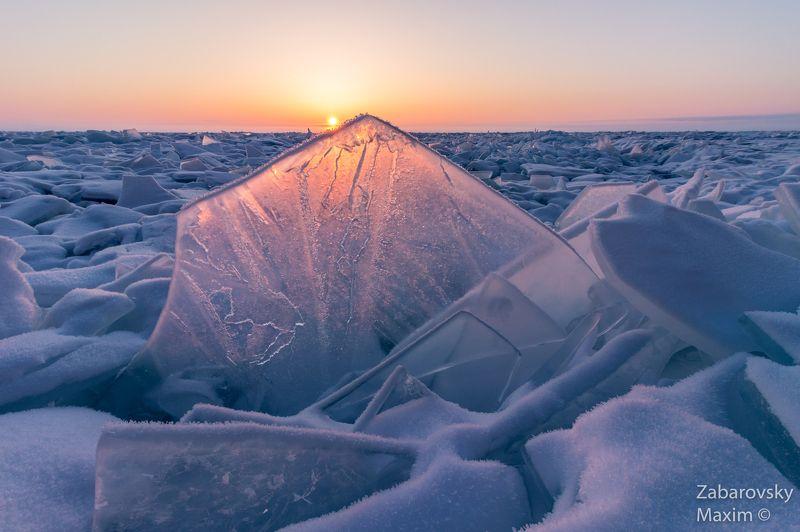 торосы, байкал, сибирь, рассвет, лед, льдинка, лед, снег, зима Рассвет на торосовом поле. Байкалphoto preview
