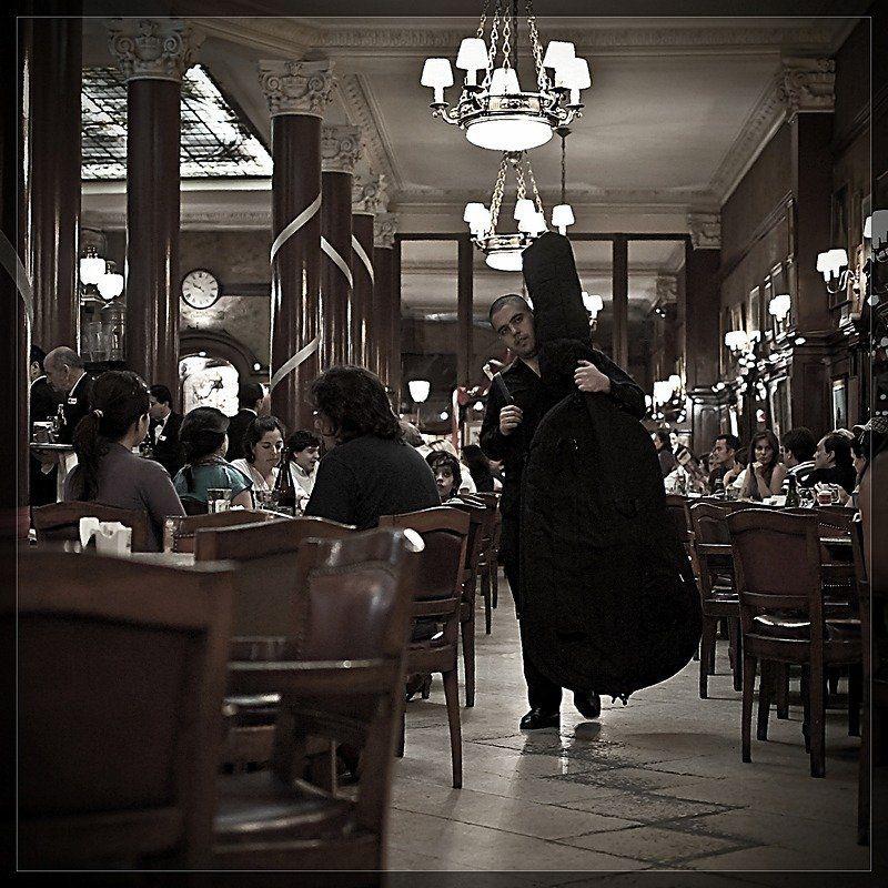 музыкант, кафе, tortoni Пора домойphoto preview
