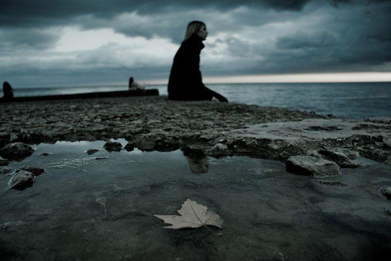 осень, девушка, одиночество одиночествоphoto preview