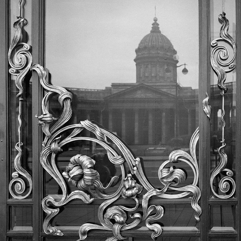 санкт-петербург, город, осень, утро, чб, невский, дом книги Saison des pluiesphoto preview