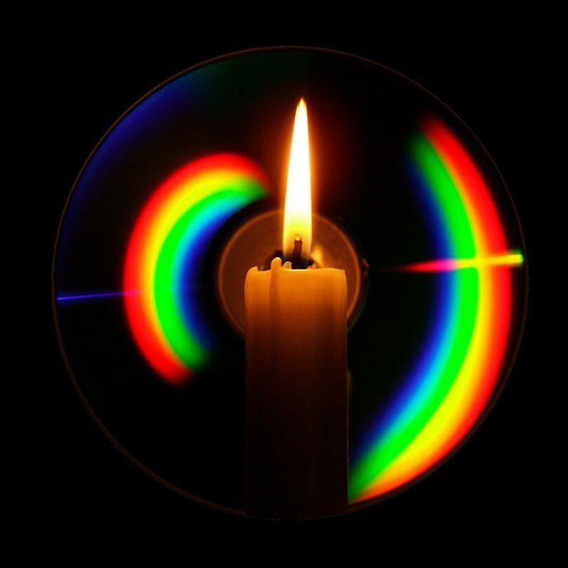 компакт-диск, свеча, свет, спектр, дифракция, отражение, цвета Каждый Охотник Желает Знать Где Сидит Фазанphoto preview