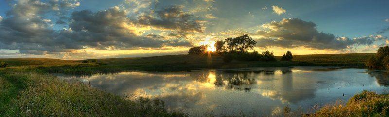 панорама, пейзаж, пруд, облака, закат Вечер на прудуphoto preview