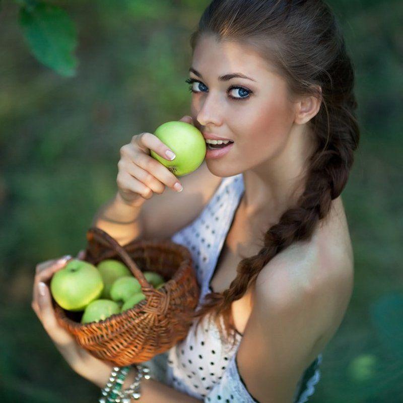 девушка, яблоко, лето, Sweet Applephoto preview