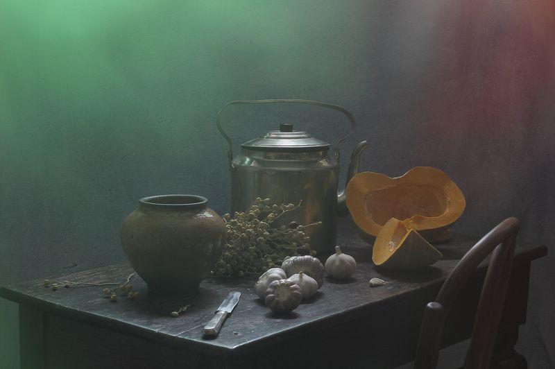 тыква.фуд, стол,диета, интерьер, декор, чеснок, чайник, посуда Натюрморт с тыквой-3photo preview