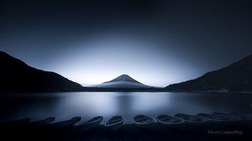 Boats at dawn (Blue ink version)