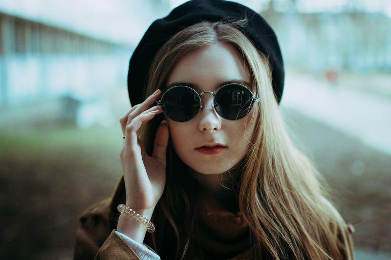 Портрет, девушка, очки DSC_0000photo preview