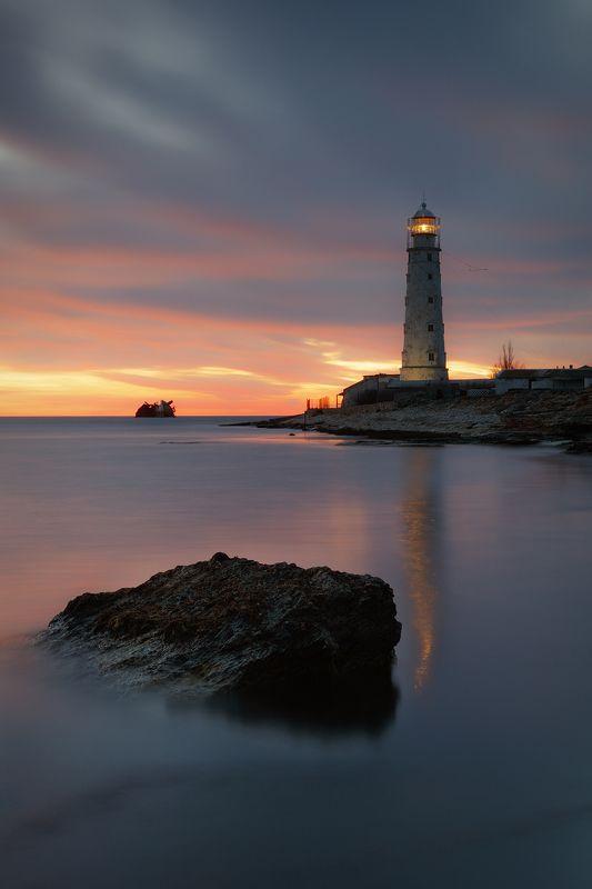 море, вечер, берег, камни, маяк, свет, небо, облака, пейзаж, тарханкут, крым, Вечер у моря.photo preview