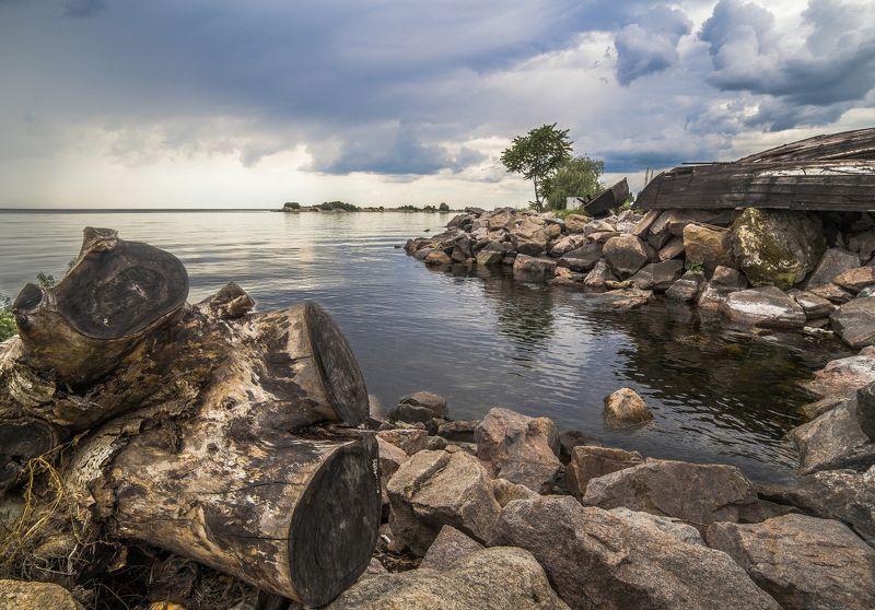 вода, деревья, весна, камни, зелень, облака, закат Портphoto preview
