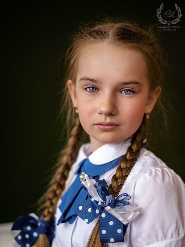 ребенок, девочка, школа, Отличницаphoto preview