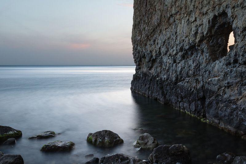чёрное, море;, скала, парус Скалаphoto preview