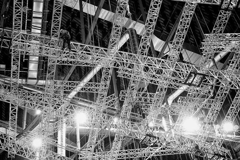 rigger, riggers, rigging, concert, show, gig, art, music, riggers make a gigphoto preview