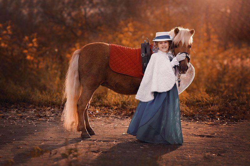 Девочка, Лошадка, Покацкая, Ребенок с пони Пони тоже кониphoto preview