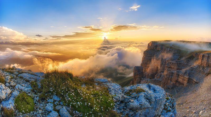 плато, Кинжал, Канжол, закат, выше облаков, скалы, обрыв, кавказ, горы На краю плато Кинжалphoto preview