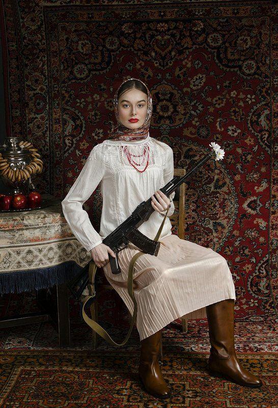 Peace, Kalashnikov, samovar, car No warphoto preview