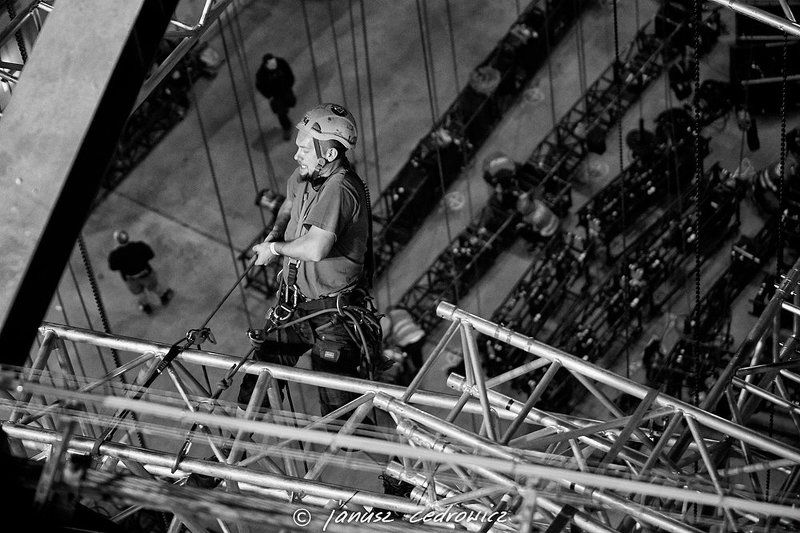 rigger, riggers, rigging, concert, show, gig, art, music, silesia, team, high, worker, height, flying,frogs, riggers make a gigphoto preview